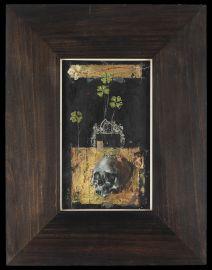 Skull,Gold and Lucky Clover